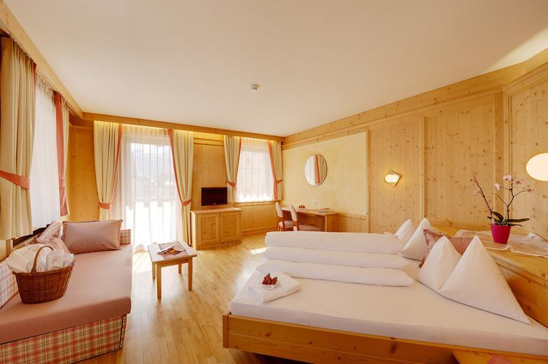 S hotel goldene rose a monguelfo vivovalpusteria for Primo hotel in cabina