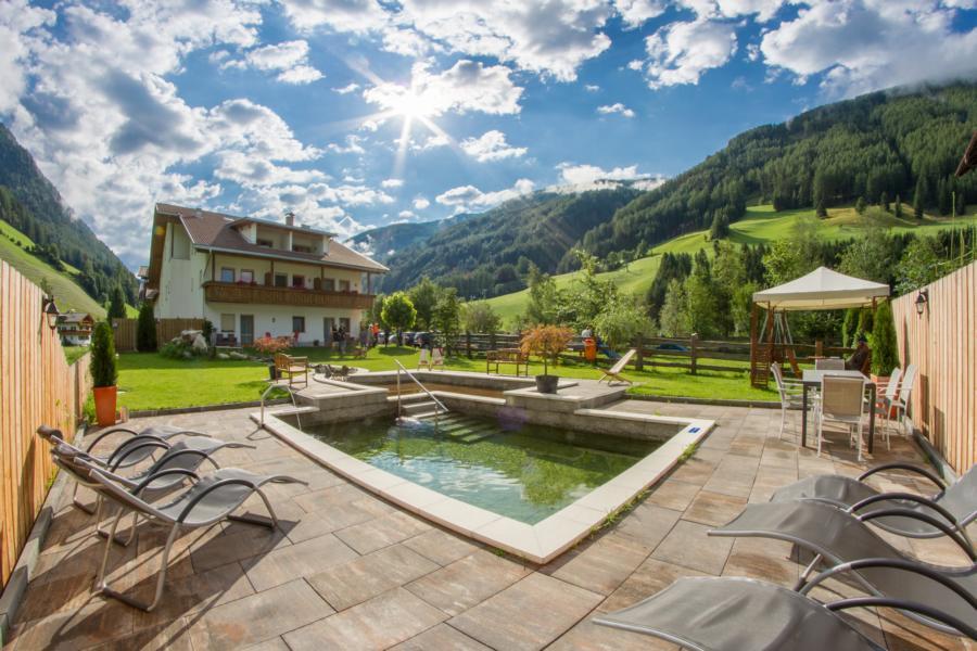 Hotel sonja - Hotel valle aurina con piscina ...