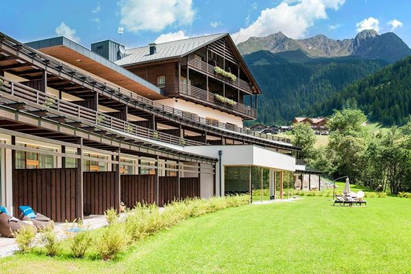 LaCasies Mountain Living Hotel