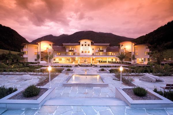 Alpenpalace Luxury Hideaway&Spa Retreat