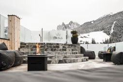 Viel Nois Guest House (Val di Funes) in inverno