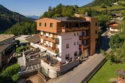 Hotel Pension Sonnegg (S. Martino in Passiria) in estate
