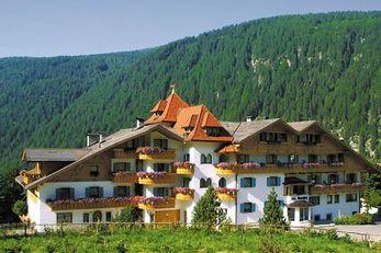 Alloggi a valles in val pusteria trovate un alloggio for Seehof hotel bressanone