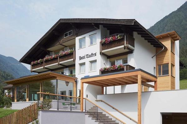 Hotel Taufers
