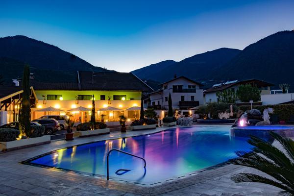 Hotel Resort Schlosshof